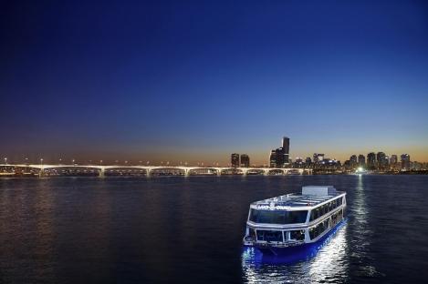 217256016353-han-river-cruise-2