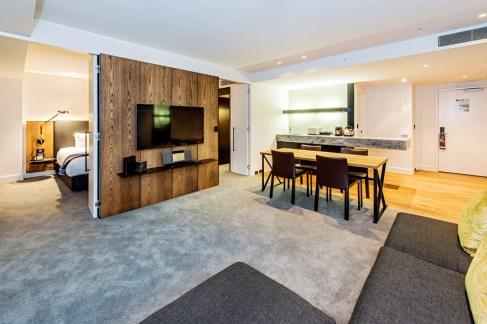 premium-luxury-king-suite