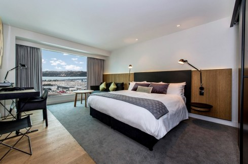 premium-luxury-room-harbour-view