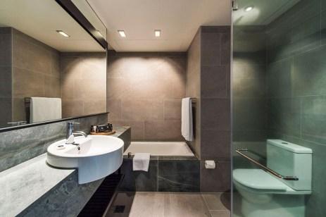 scak_ghotel_018_plk_plt_phlk_phlt_bathroom_1mb