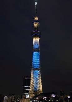 Tokyo_Sky_Tree_at_night_(Iki)