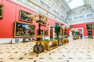 interiors-of-the-hermitage-museum-in-st-petersburg