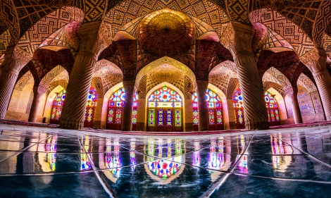 Nasir_al-_mulk_mosque,_Shiraz.jpg